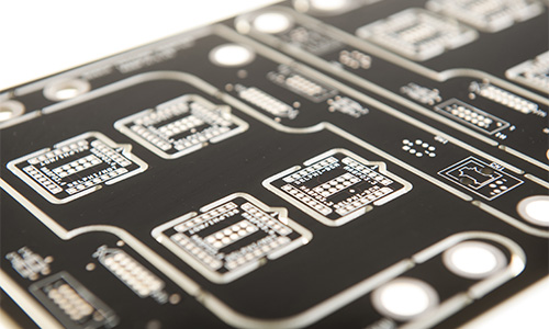 circuito stampato nero